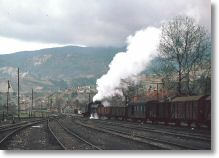 17999_34008_shunting_at_karabuk_17-mar-77.jpg